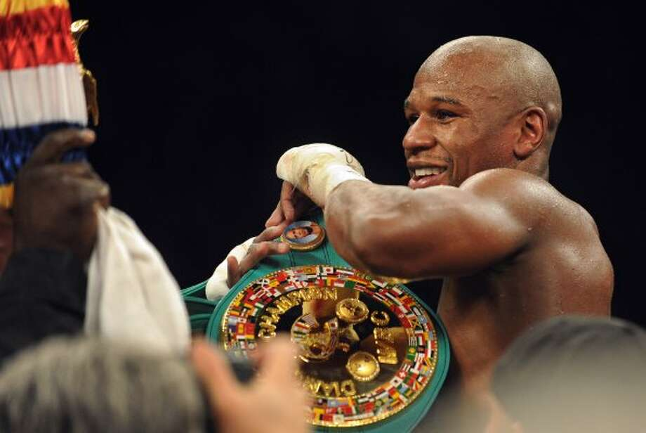No. 1 Floyd Mayweather Jr. /  Total earnings: $85 million /  Salary/winnings: $85 million /  Endorsements: $0 (FREDERIC J. BROWN / AFP/Getty Images)