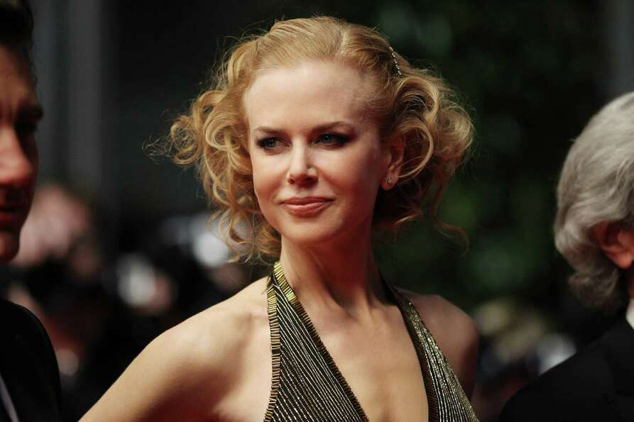 Just like all celebrities, Nicole Kidman has a lot of problems, but peeing in front of Zac Efron isn
