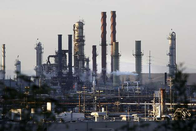 The Chevron refinery in Richmond, Calif., on Thursday, September 17, 2009, in Richmond, Calif. . Photo: Liz Hafalia, The Chronicle