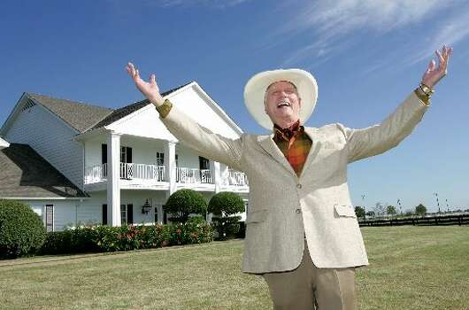 DALLAS: Perhaps the most famous show ever set is Texas ran on CBS from 1978 to 1991, a continuation also called Dallas was premiered in 2012 on TNT, the second series received critical acclaim.