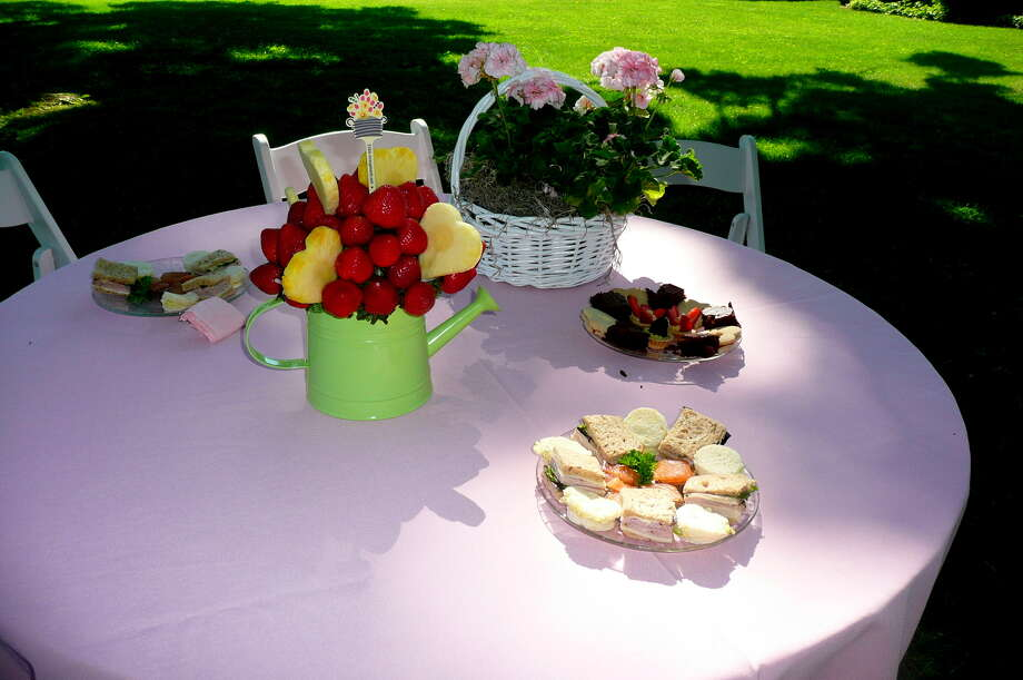 """The annual Greenwich Branch of the English Speaking Union Garden Party held at the Malcolm Pray estate celebrating """"The Queen's Birthday and Diamond Jublilee,"""" on June 17, 2012. Photo: Picasa, Anne W. Semmes"""