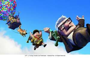 'Up'-like stunt goes awry for balloon lawn-chair pilot - Photo