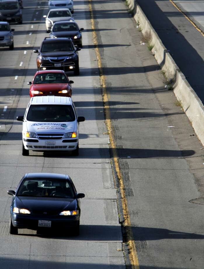 Commuters on the stretch of Interstate 580 between Oakland and Interstate 680 in Oakland, Calif., Monday, June 18, 2012. Photo: Sarah Rice, Special To The Chronicle