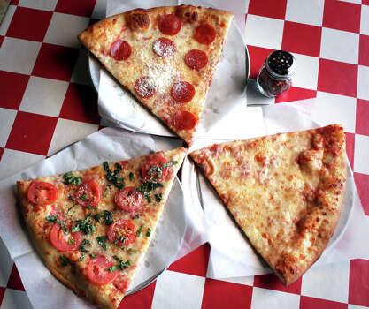 Julian's Italian Pizzeria Location: 13444 West AvenueWebsite: julianspizzeria.com Photo: BOB OWEN, SAN ANTONIO EXPRESS-NEWS / rowen@express-news.net
