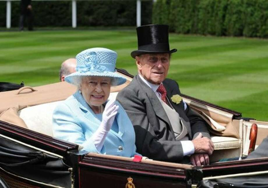 ASCOT, UNITED KINGDOM - JUNE 19: Queen Elizabeth II and Prince Philip, Duke of Edinburgh attend day one of Royal Ascot at Ascot Racecourse on June 19, 2012 in Ascot, England.  (Eamonn McCormack / Getty)