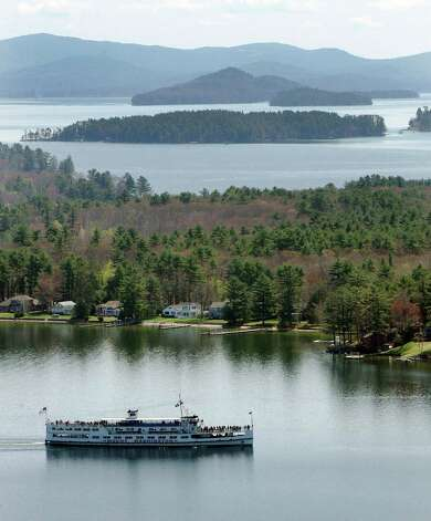 The Mount Washington heads into Weirs Beach on Lake Winnipesaukee during its shakedown cruise in Laconia, N.H., Monday, May 5, 2008.(AP Photo/Jim Cole) Photo: Jim Cole / AP