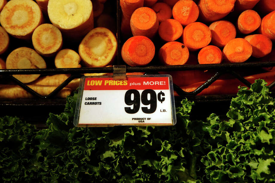 Produce at the Kroger on the 1000 block of N. Shepherd in the Heights Wednesday, May 30, 2012, in Houston. ( Johnny Hanson / Houston Chronicle ) Photo: Johnny Hanson / © 2012  Houston Chronicle