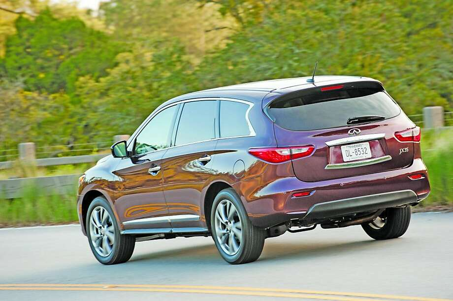 The JX is the first vehicle in the Infiniti lineup to offer Infiniti Connection and Infiniti Connection Plus services, to be added to other navigation-equipped models in the near future. Photo: Courtesy Oh Infiniti, Wieck