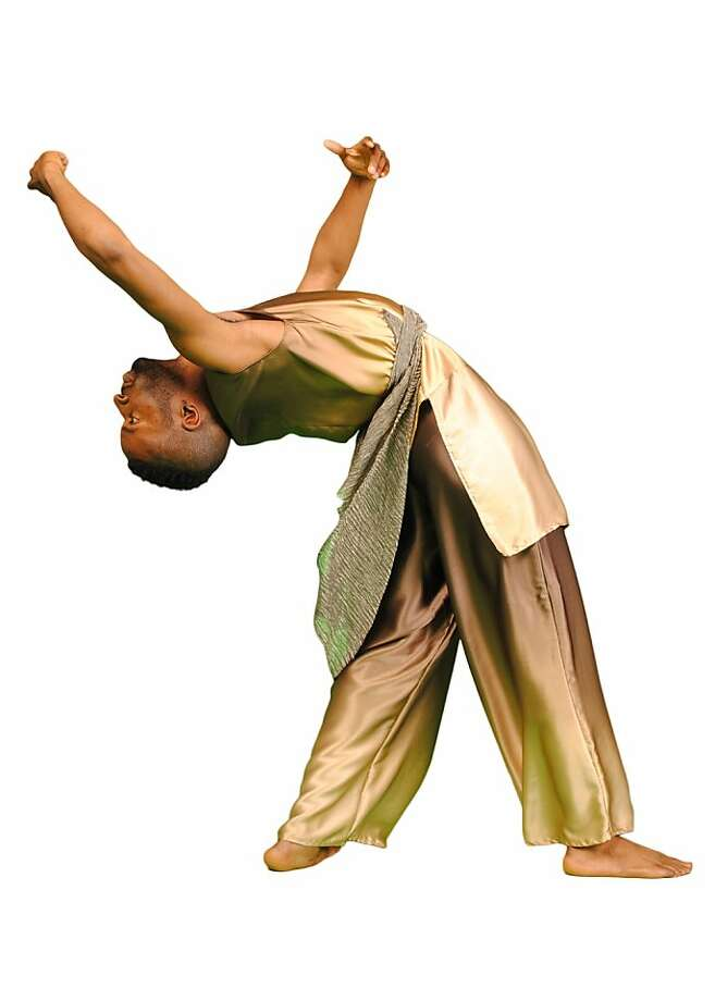 Ross Dance Company Company dancer Erik Lee Photo: Dwight Evans/Rhett Jones