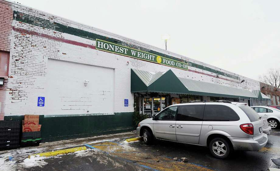 James Goolsby/Times Union-Jan 2, 2009-The exterior of the Honest Weight food co-op at 484 Central Ave. in Albany Photo: JAMES GOOLSBY / 00001891A