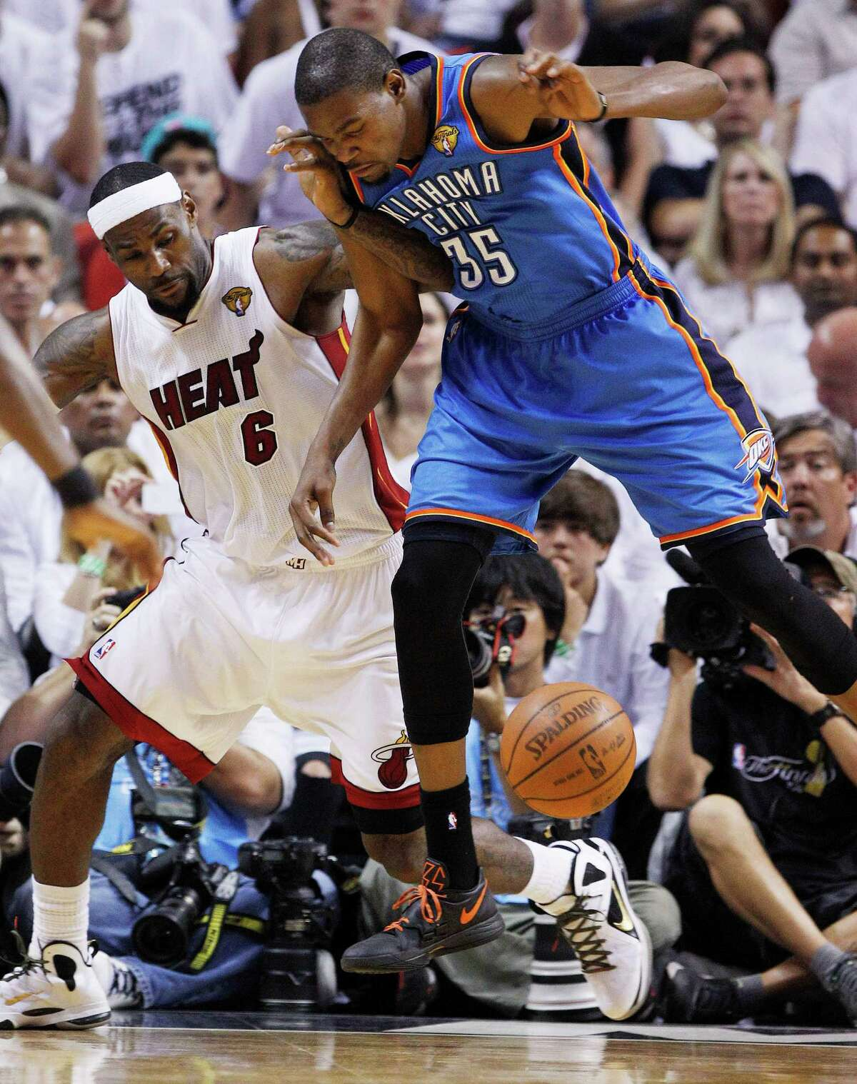 2012: LeBron James (MVP) vs. Kevin Durant Durant had 36 points in the Thunder's Game 1 win in the Finals, but James stopped Durant late in Game 2 to seal the Heat's win. They then won three times in Miami to give James his first title. Durant averaged 30.6 points to James' 28.6 in the series.