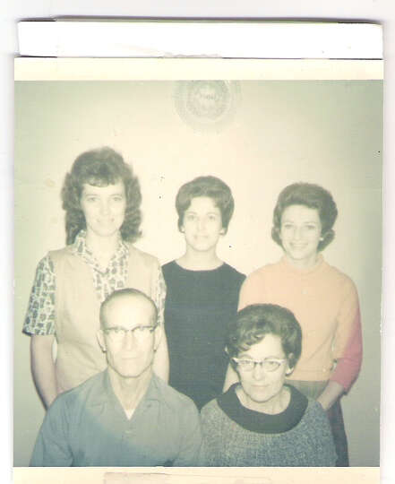 Back row: Barbara (Warren) Story (left), Louise (Warren Timmins), Sandra (Warren) Mitchel; Front row