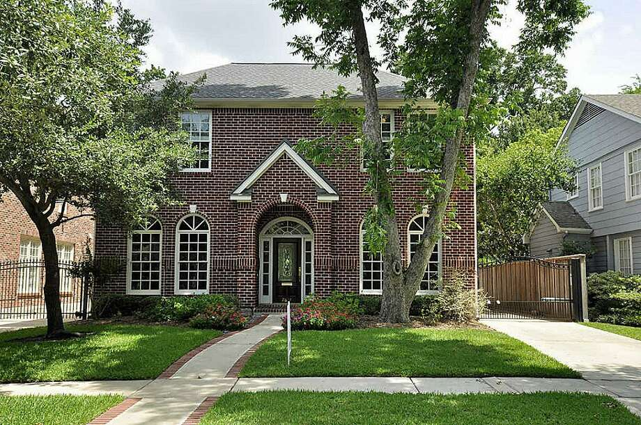 2632 Arbuckle St  |  Agent: Michele Haddock |  Coldwell Banker United, REALTORS  | (713) 623-8899 | Photo: CBU