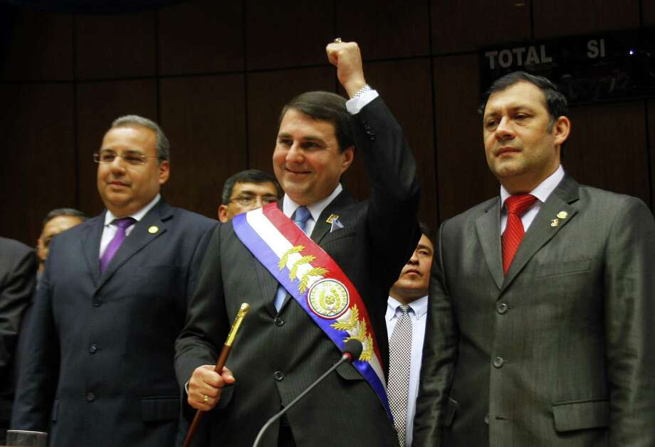 Paraguay's new president, Federico Franco, was sworn in Friday. He had been vice president. Photo: GUSTAVO SEGOVIA / AFP