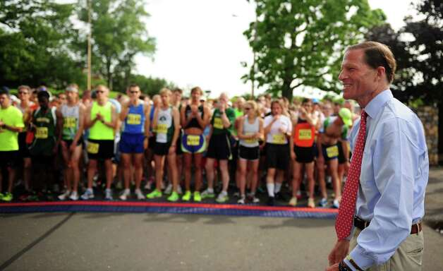 Sen. Richard Blumenthal kicks off the 32nd Stratton Faxon 5K Saturday, June 23, 2012 at Jennings Beach in Fairfield, Conn. Photo: Autumn Driscoll / Connecticut Post