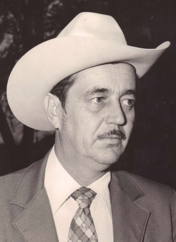 "Former Guadalupe County Sheriff Leslie ""Pete"" Kallies, age 79, passed away on June 21, 2012. Photo: Courtesy / COURTESY OF THE FUNERAL HOME"