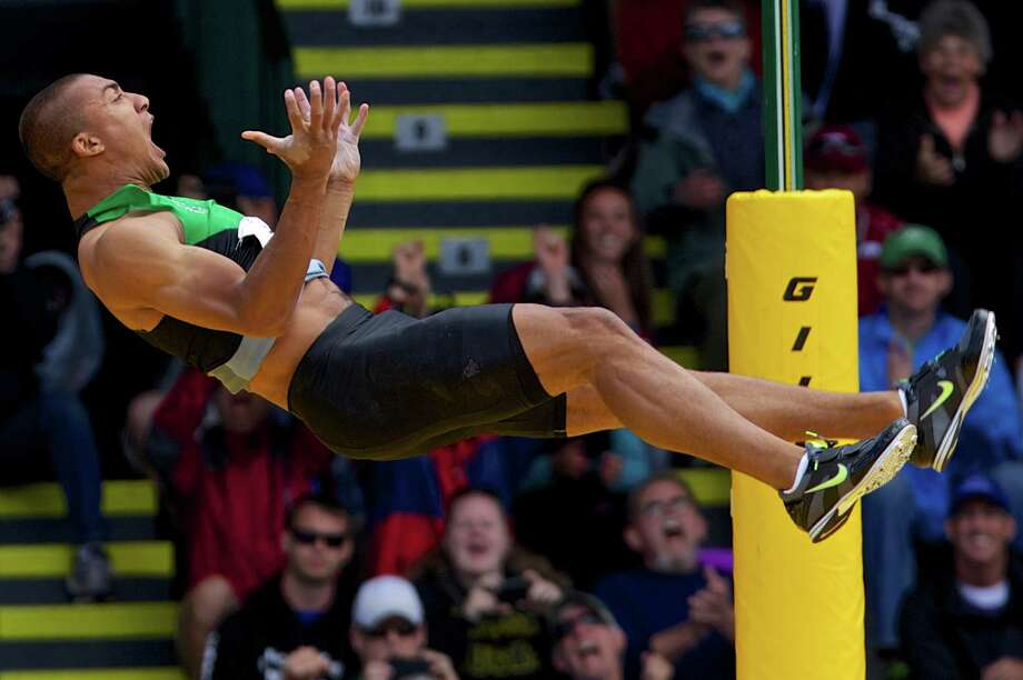 Ashton Eaton celebrates after clearing the bar during the pole vault portion of the competition of the decathlon at the U.S. Olympic Trials at Hayward Field, in Eugene, Ore., Saturday, June 23, 2012. Photo: Thomas Boyd, Associated Press / ©Thomas Boyd, The Oregonian, 2012