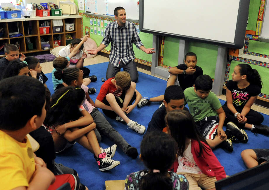 Technology In Elementary Classrooms : Bringing technology into the classroom stamfordadvocate