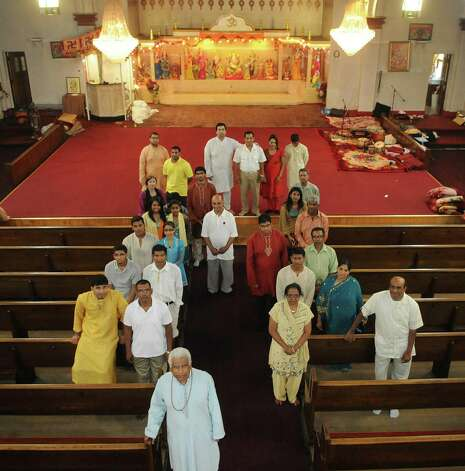 union center hindu single men Jain study center of historically hinduism has developed over about 4,000 years and has no single all souls are evolving towards a union with god and will.