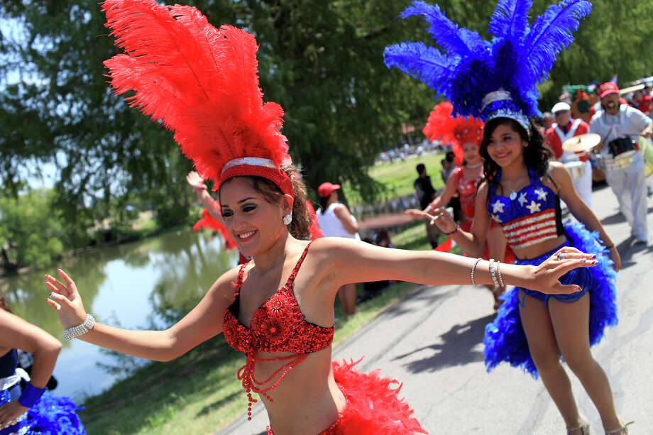 1. San Antonio's Official July Fourth CelebrationWhere: Woodlawn Lake ParkWhen: July 4, 8 a.m.-9:30 p.m.Cost: Free*A Fourth of July 1K/5K will take place at 8-8:30 a.m. with small entry fees. Click here for more information. Photo: LISA KRANTZ, SAN ANTONIO EXPRESS-NEWS / SAN ANTONIO EXPRESS-NEWS