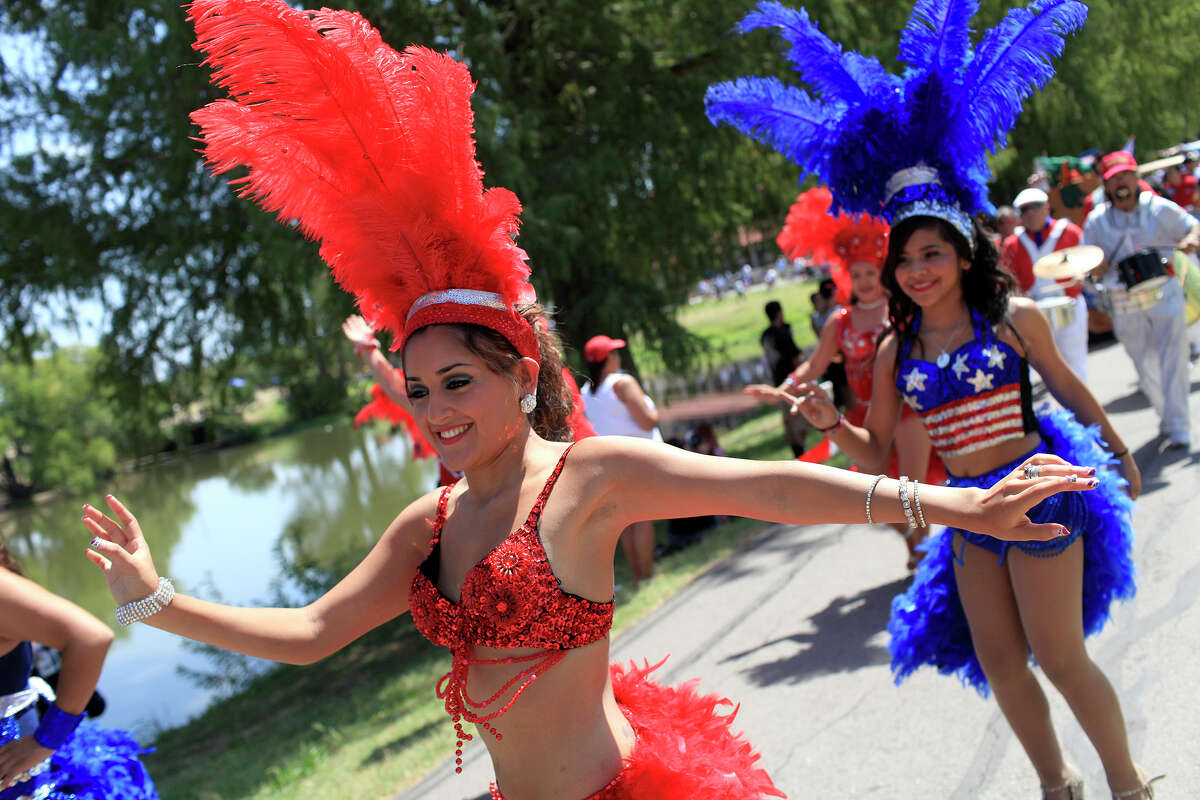 1.San Antonio's Official July Fourth CelebrationWhere: Woodlawn Lake ParkWhen: July 4, 8 a.m.-9:30 p.m.Cost: Free*A Fourth of July 1K/5K will take place at 8-8:30 a.m. with small entry fees. Click here for more information.