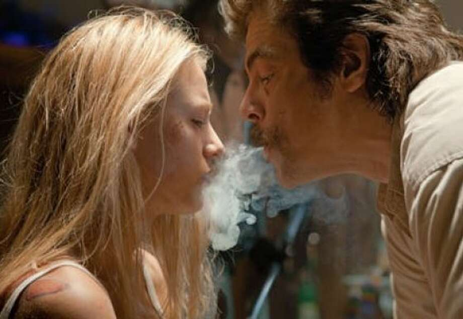 """Blake Lively and Benicio del Toro in Oliver Stone's """"Savages"""": Ugly and nihilistic. Photo: Francois Duhamel"""