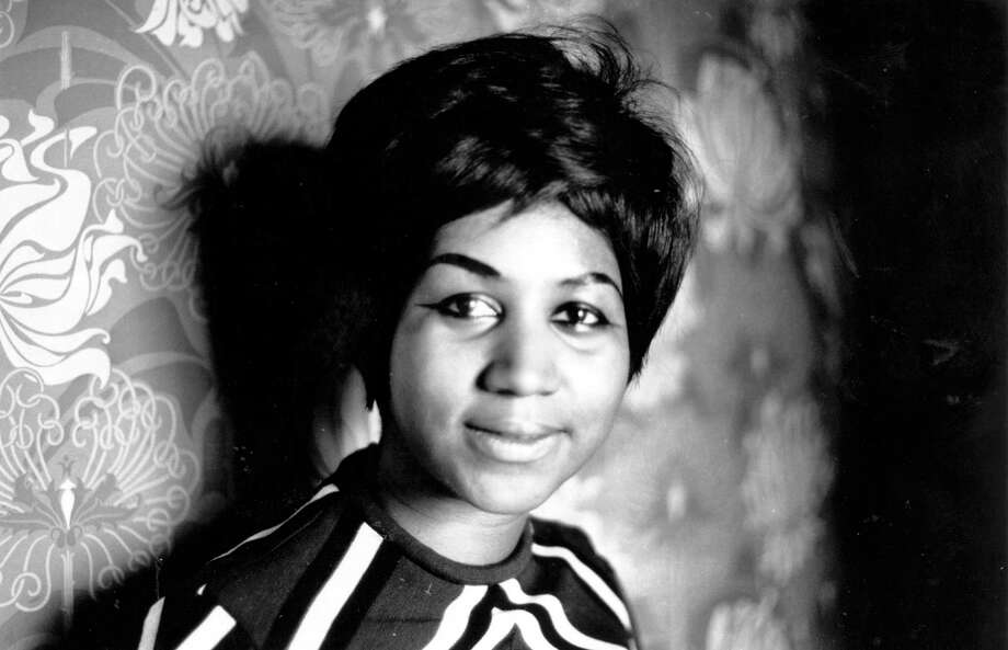 "The same day - exactly 41 years after the nation lost Elvis Presley, its ""King of Rock and Roll"" - the nation is mourning its ""Queen of Soul,"" Aretha Franklin. Photo: Express Newspapers / Hulton Archive"