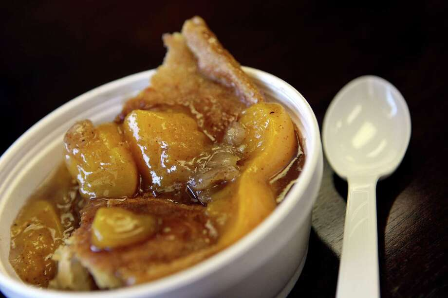 State CobblerPeach Cobbler, House Concurrent Resolution No. 102, 83rd Legislature, Regular Session (2013) Photo: Helen L. Montoya, San Antonio Express-News / ©SAN ANTONIO EXPRESS-NEWS
