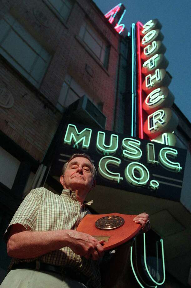 "Arthur Gurwitz, savior of the expired copyright to the University of Texas fight song the ""Eyes of Texas,"" stands in front of the Southern Music Co. store when it was located at the intersection of Broadway and Jones Avenue in 1999. Southern Music Co. was acquired by Lauren Keiser Music Publishing of Maryland Heights, Mo., a St. Louis suburb, in 2012. Photo: WILLIAM LUTHER, SAN ANTONIO EXPRESS-NEWS / SAN ANTONIO EXPRESS-NEWS"