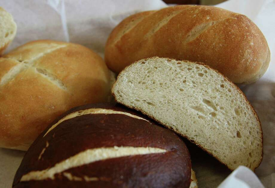 Four Kings: 2047 Universal City Blvd. at Pat Booker Road, Universal City, 210-687-6649. www.letseat.at/fourkings