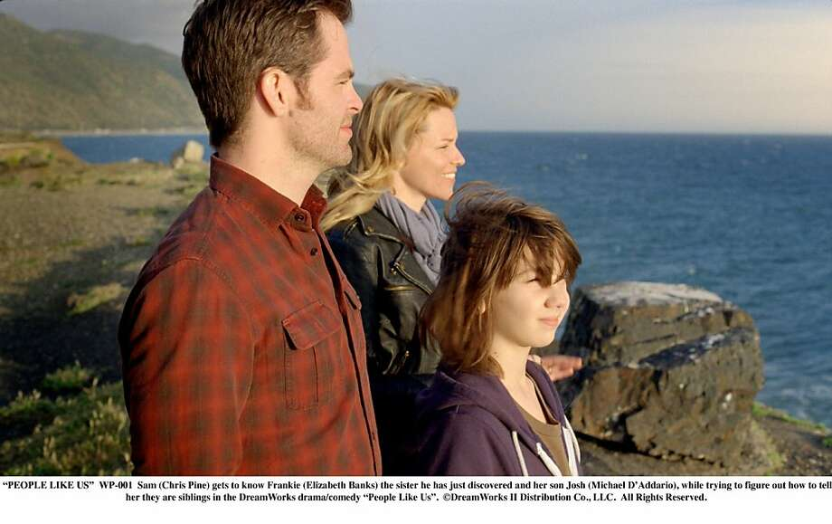 "Josh Davis-MICHAEL D'ADDARIO, Sam Harper-CHRIS PINE, Frankie Davis-ELIZABETH BANKS in, ""People Like Us."" Photo: Walt Disney Pictures"