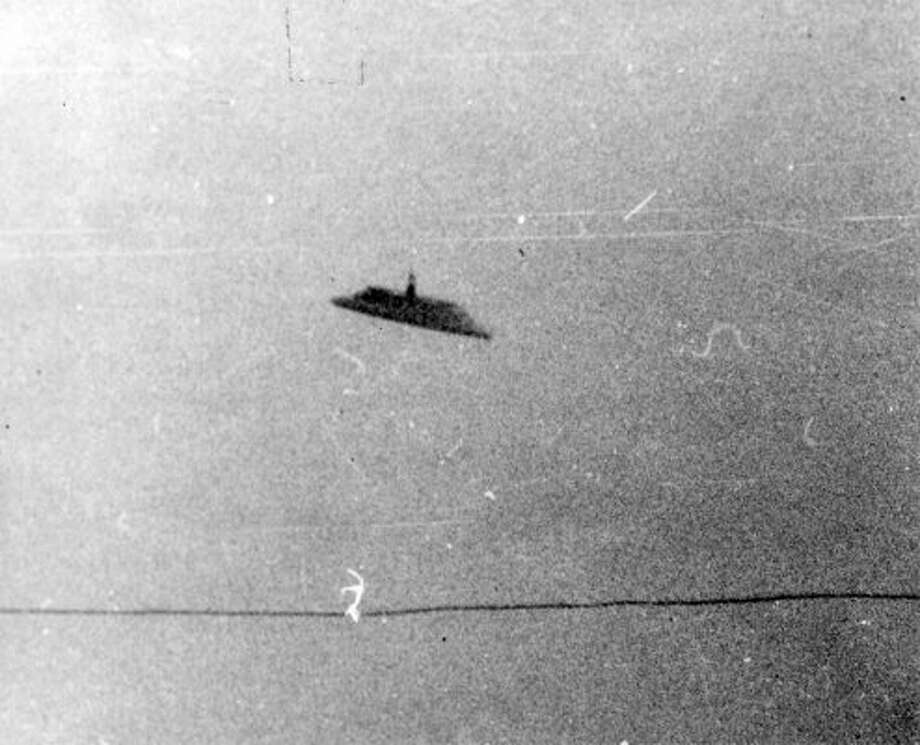 Another P-I archive copy of Paul Trent's 1950 UFO photo. (seattlepi.com file)