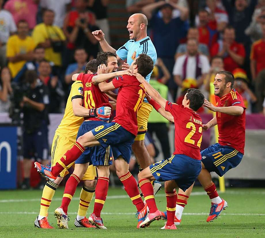 DONETSK, UKRAINE - JUNE 27: Spain celebrate victory during the UEFA EURO 2012 semi final match between Portugal and Spain at Donbass Arena on June 27, 2012 in Donetsk, Ukraine.  (Photo by Alex Livesey/Getty Images) Photo: Alex Livesey, Getty Images