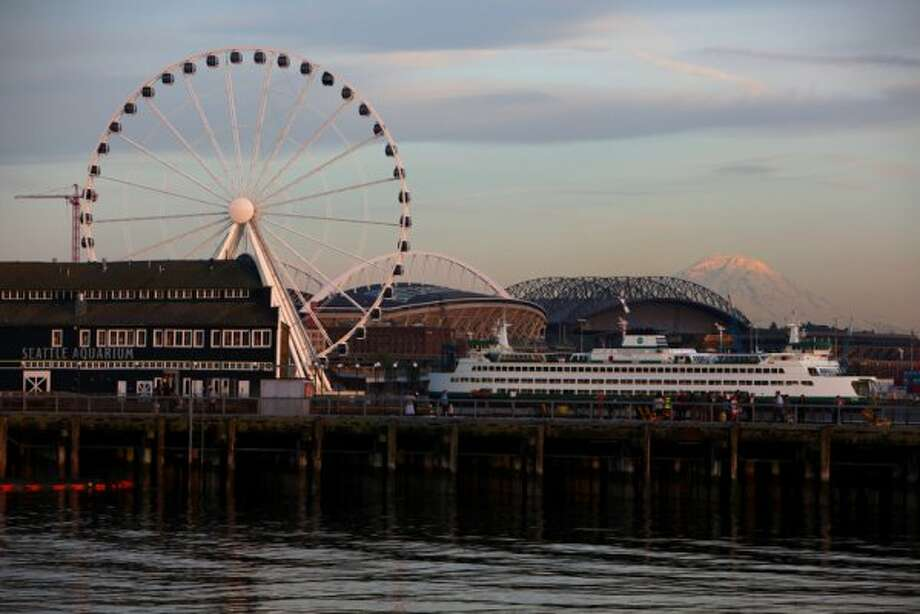The new Seattle Great Wheel is shown on June 27, 2012. (JOSHUA TRUJILLO / SEATTLEPI.COM)
