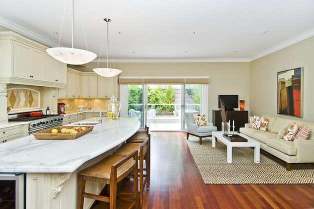 spacious home decor 05