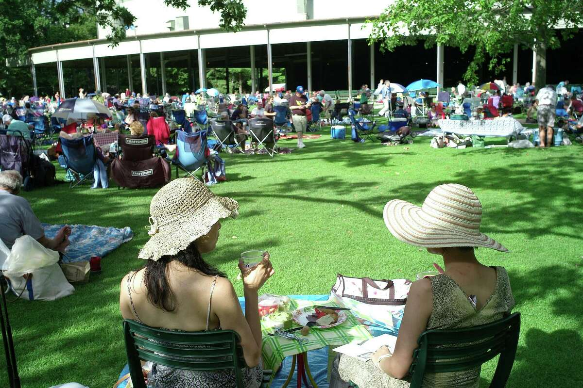 A picnic on the Tanglewood Lawn (Stu Rosner)