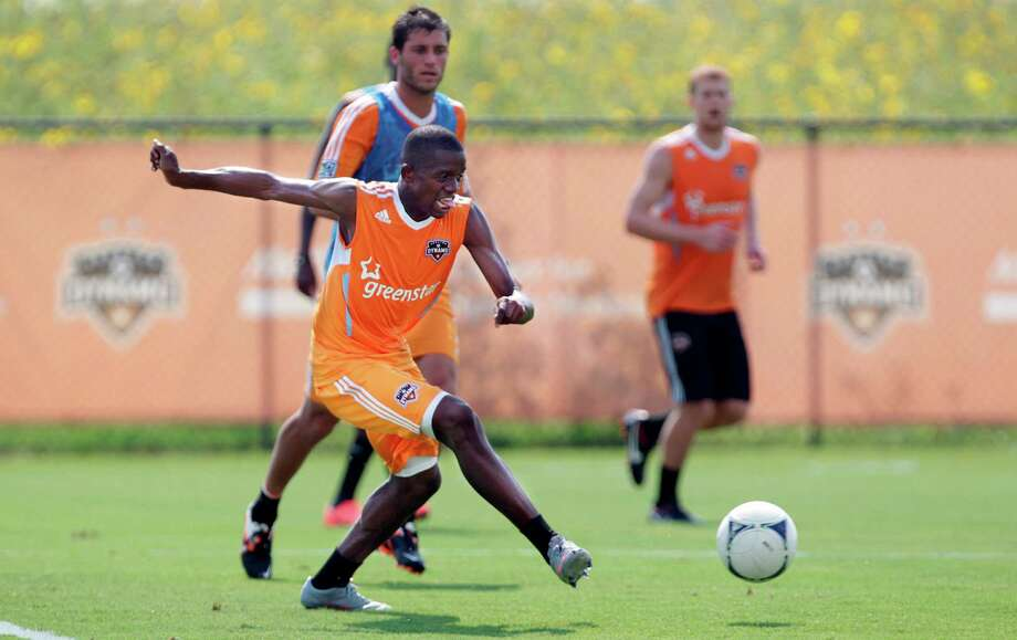 New Dynamo midfielder Oscar Boniek Garcia is a big star in his native Honduras, and with a large Honduran population here, he knows he'll be expected to produce. Photo: Mayra Beltran / © 2012 Houston Chronicle