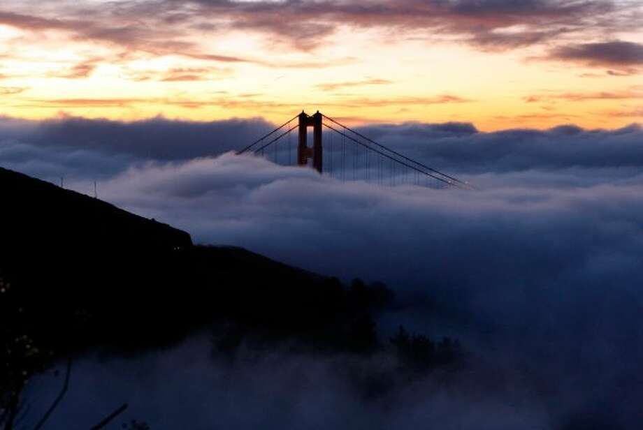 WEATHER in SAN FRANCISCO: San Francisco is famous for its foggy, foggy weather. (Justin Sullivan / Getty Images)