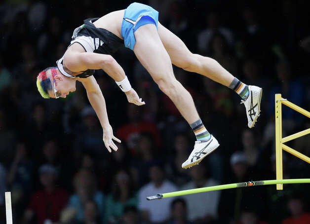 Jordan Scott  misses the bar in the pole vault final  at the U.S. Olympic Track and Field Trials Thursday, June 28, 2012, in Eugene, Ore. (AP Photo/Matt Slocum) Photo: Associated Press