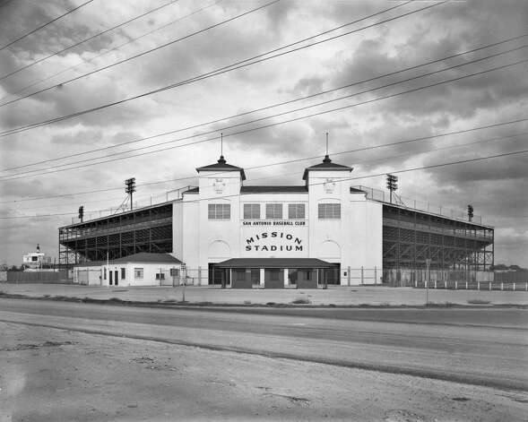 Mission Stadium opened in 1947 and was owned by the St. Louis Browns, also owners of the Missions ball club.  For Paula Allen column 06-30-12. Photo: Institute Of Texan Cultures