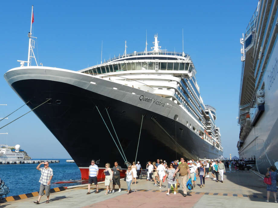 Intrepid cruisers head off for a rewarding day of self-directed sightseeing. Photo: Rick Steves, Ricksteves.com