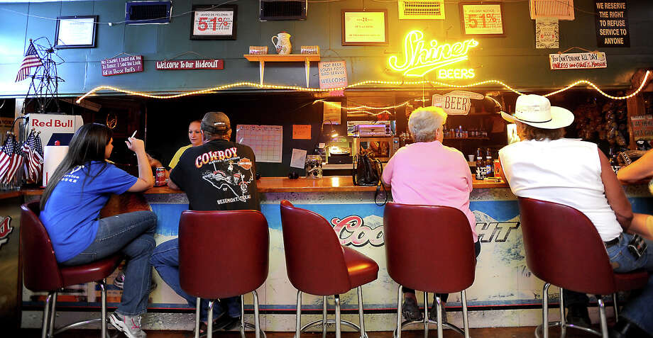 The Spotted Dog Saloon in Winnie is the Cat5 Bar of the Week. Tammy McKinley/The Enterprise Photo: TAMMY MCKINLEY