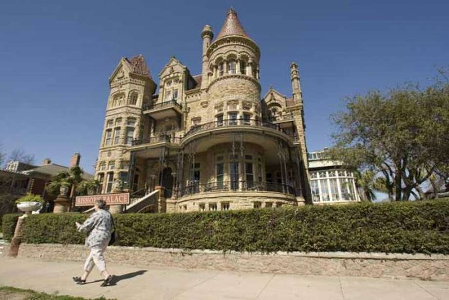 $10 ($7 for ages 6-18): A self-guided tour of the Bishop's Palace. 