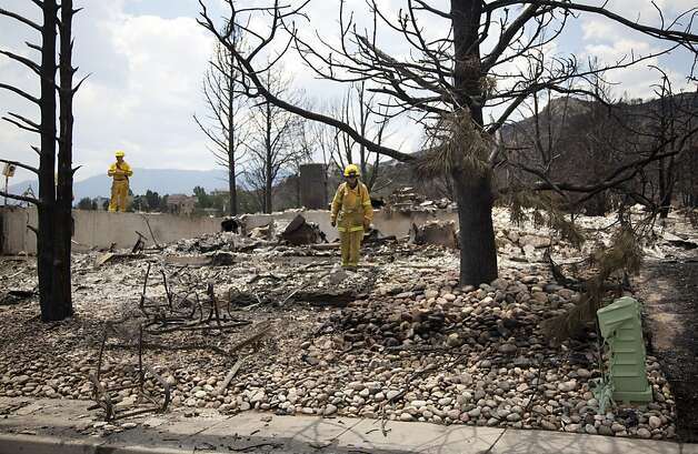 COLORADO WILDFIRE KILLS 2, 350 HOMES DESTROYED - SFGate