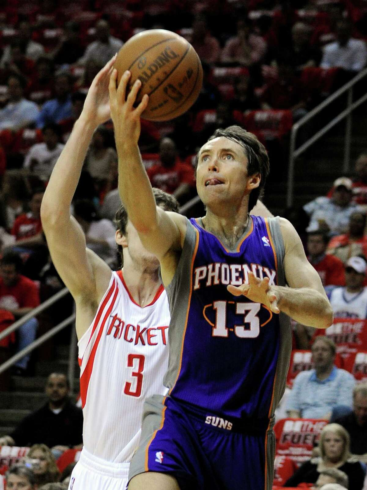 Point guard Steve Nash (right) has agreed to a three-year, $27 million deal with the Lakers.