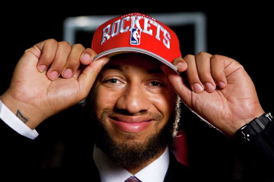 Royce White's anxiety disorder does not affect him on the basketball court, where he feels the most comfortable. Medication helps in other situations. Photo: Nick De La Torre / © 2012  Houston Chronicle