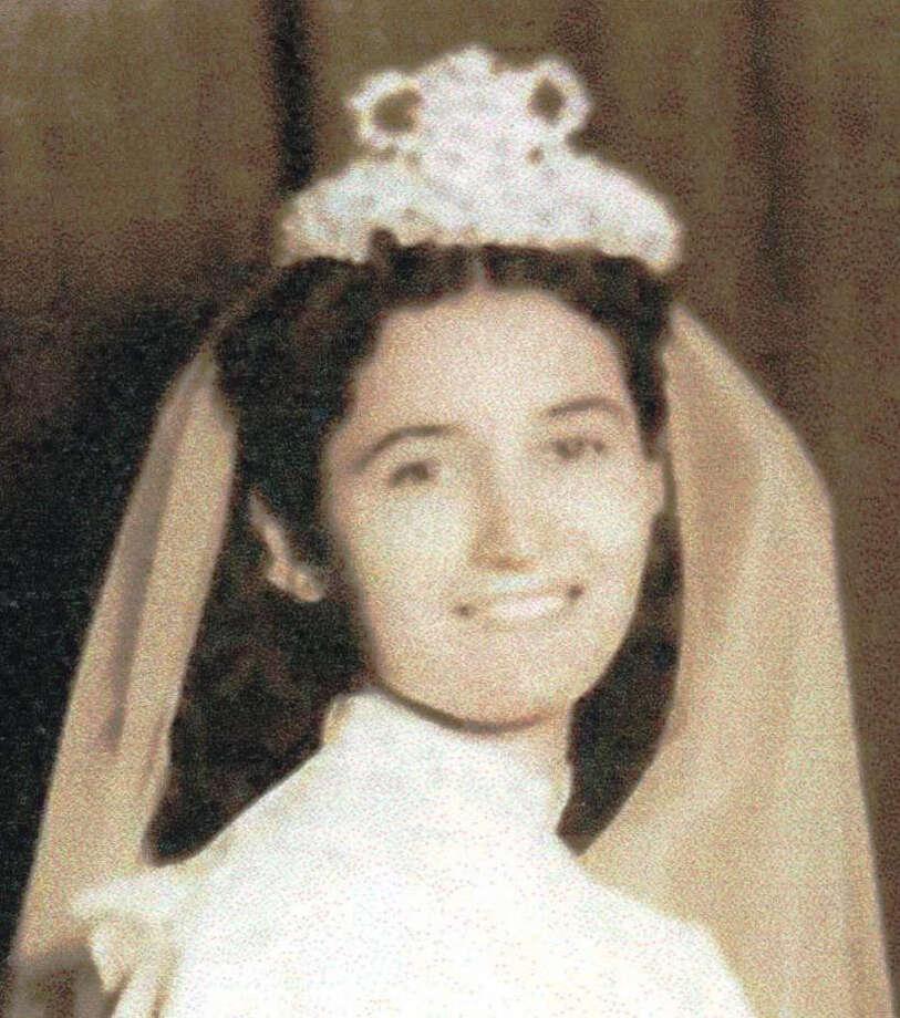 Rosalva Flores