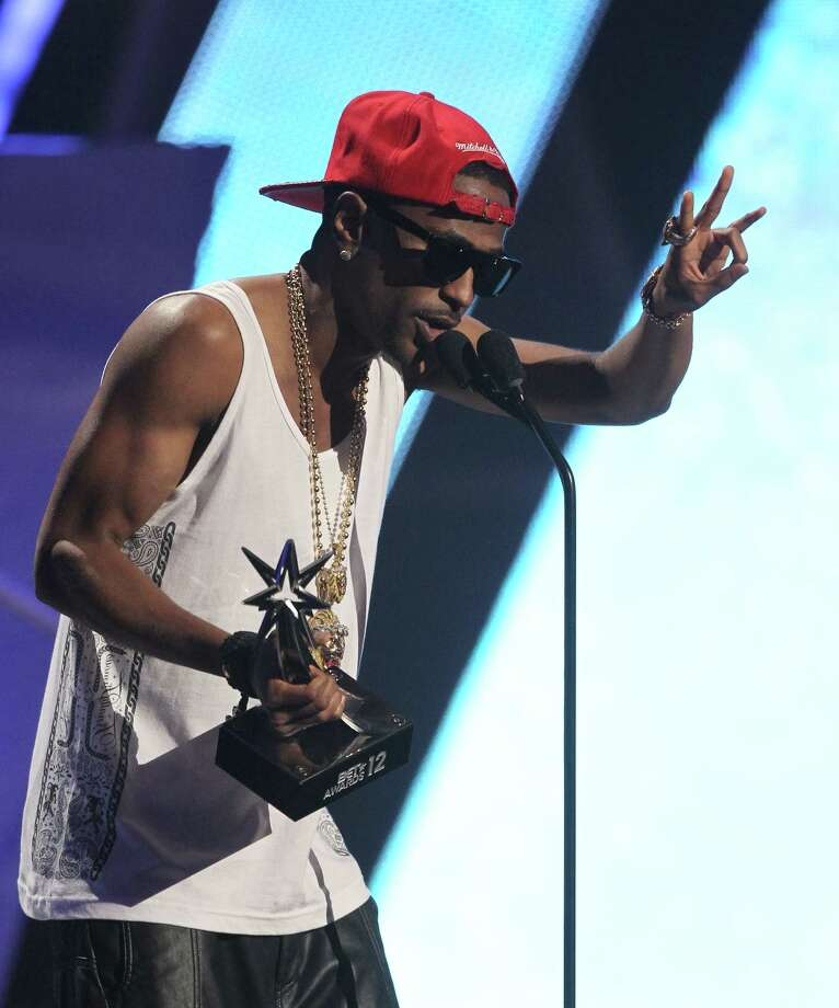 Big Sean accepts the award for best new artist at the BET Awards on Sunday, July 1, 2012, in Los Angeles. (Photo by Matt Sayles/Invision/AP) Photo: Matt Sayles / 2012 Invision