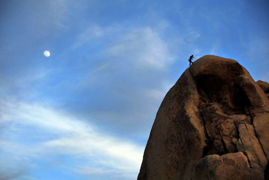 A climber prepares to repel off Intersection Rock in Joshua Tree National Park. Photo: Rick Loomis, McClatchy-Tribune News Service / Los Angeles Times