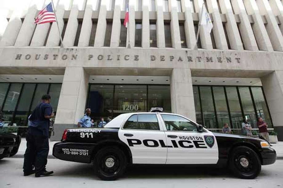 HPD is testing vehicles for its  new patrol cars, along with the new black-and-white color scheme and logo design. Photo: Mayra Beltran, Houston Chronicle / © 2012 Houston Chronicle